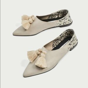NWT Zara Cream Flat Leather Shoes with Tassels